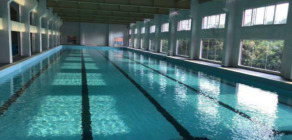 游泳池加固
